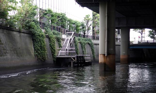 千代田区役所の桟橋