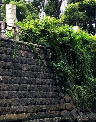 常盤橋公園の渋沢栄一の銅像