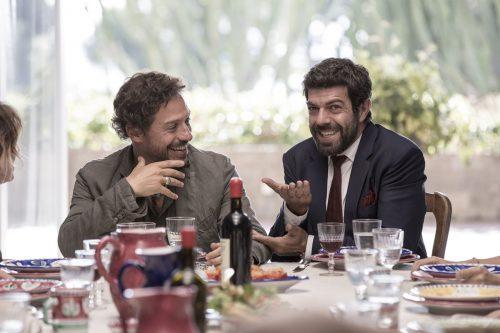 A CASA TUTTI BENE - REGIA DI GABRIELE MUCCINO
